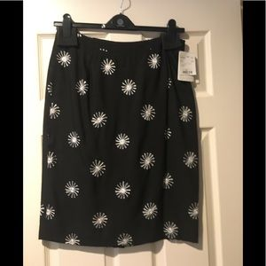 Doncaster black and white skirt